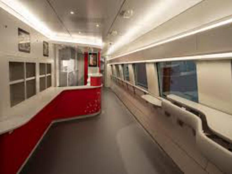 acela train hallway