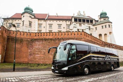 Leo Express Bus